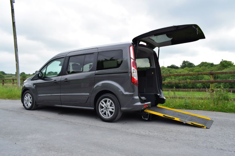 Ford Grand Tourneo Connect Flexi 120ps EcoBlue Titanium